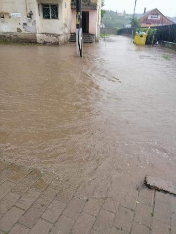 inundatii Harlau