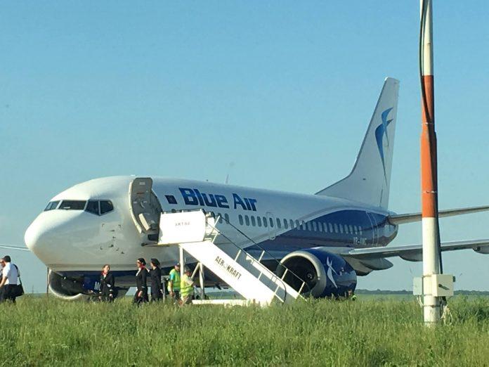 avion Blue Air la Iasi