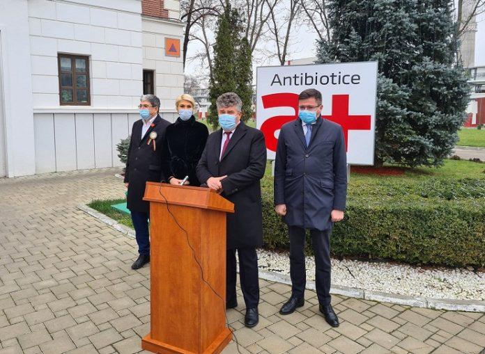 Marcel Bolos, Raluca Turcan, Ioan Nani, Costel Alexe la Antibiotice