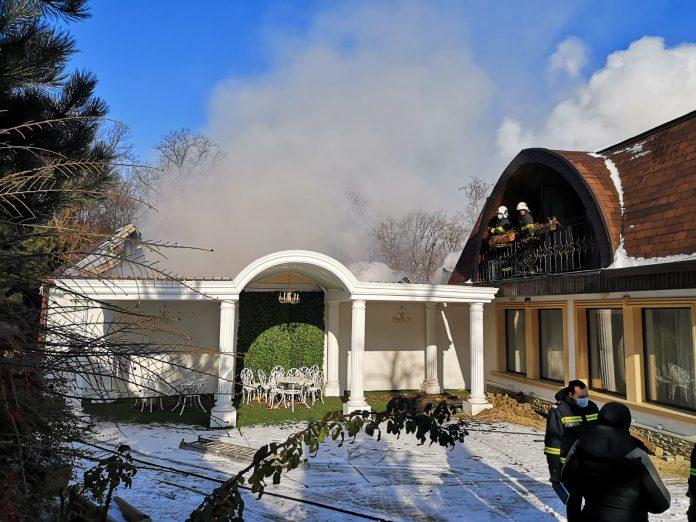 incendiu restaurant Castel